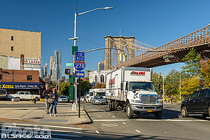 Photo : Old Fulton Street et Brooklyn Bridge, Brooklyn Heights, Brooklyn, New York, Etats-Unis
