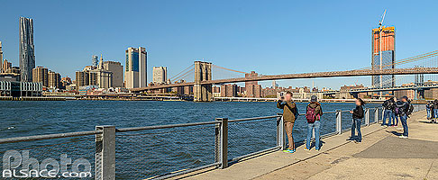Photo : Brooklyn Bridge Park, East River et Financial District, Brooklyn, New York, Etats-Unis, New York, Etats-Unis