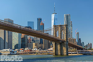 Photo : Brooklyn Bridge et Financial District depuis East River, Brooklyn, New York, Etats-Unis, New York, Etats-Unis