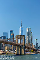 Brooklyn Bridge et Financial District depuis East River, Brooklyn, New York, Etats-Unis