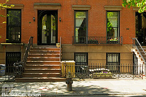 Photo : Entrée d'immeuble, Schermerhorn Street, Brooklyn, New York, Etats-Unis