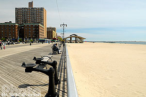 Photo : Brighton Beach Boardwalk, Coney Island, Brooklyn, New York, Etats-Unis