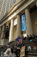 Photo : Occupy Wall Street, Federal Hall National Monument, Wall Street, Manhattan, New York, Etats-Unis