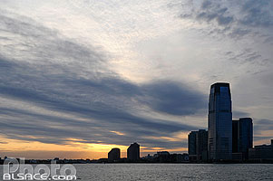 Photo : Coucher de soleil sur l'Hudson, Jersey City, New Jersey, Etats-Unis