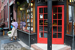 Photo : Librairie, 10th Street et Waverly Place, West Village, Manhattan, New York, Etats-Unis