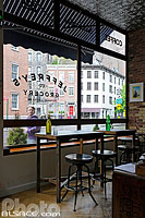 Photo : Restaurant Jeffrey's Grocery, Christopher Street, West Village, Manhattan, New York, Etats-Unis
