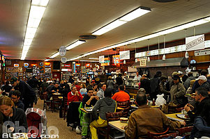 Photo : Katz's delicatessen, Houston Street, Lower East Side, Manhattan, New York, Etats-Unis