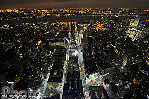 Photo : Vue de nuit depuis l'Empire State Building sur l'Ouest de Manhattan, New York, Etats-Unis