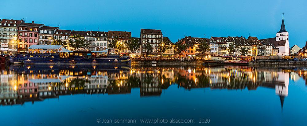 Quai des Pêcheurs la nuit, Strasbourg